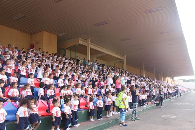 Los colegios de Arrecife celebran el Día Internacional de la Infancia con carreras solidarias, canciones y juegos