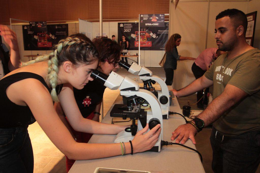 Las miniferias de Lanzarote y Fuerteventura comparten ciencia e innovación con novecientos escolares