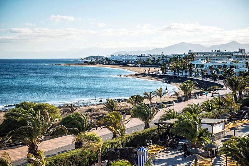 Tías explora su litoral costero para hallar bolsas de arena que permitan regenerar las playas de Puerto del Carmen