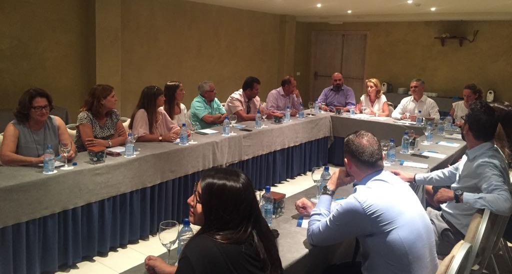 Turismo Lanzarote y ASOLAN comparten los retos de ambas entidades de cara a la participación en la World Travel Market y esbozan el Plan de Marketing de 2018