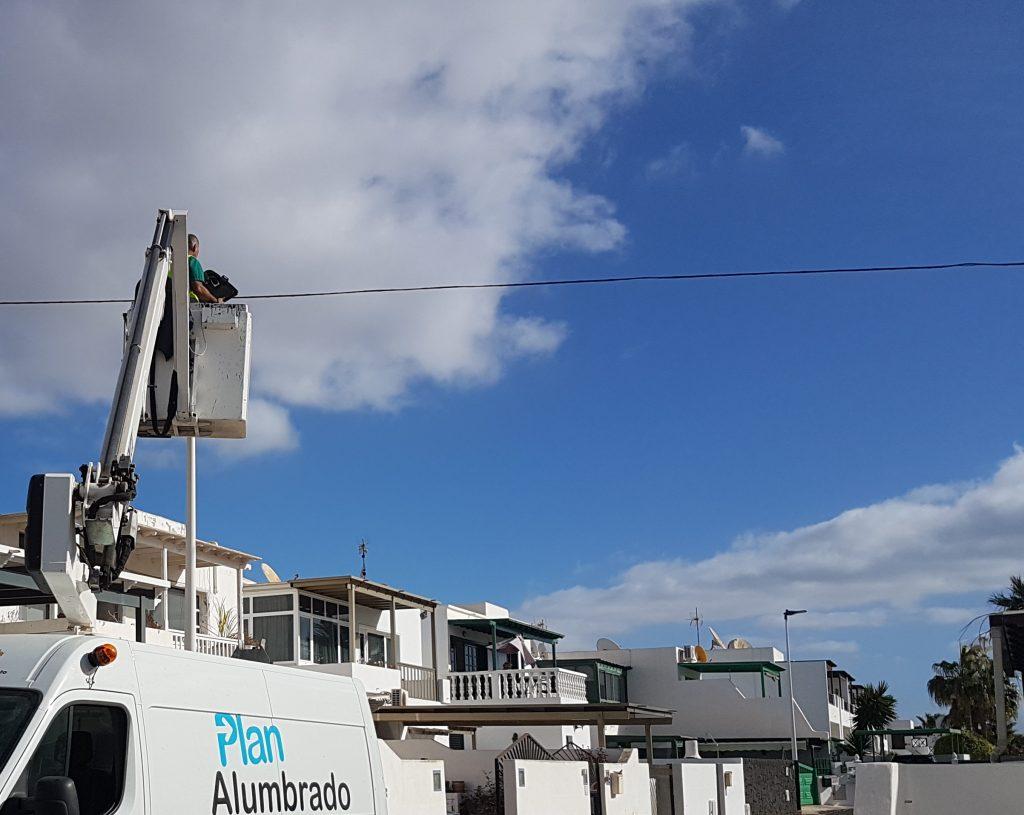 Tías instala nuevo alumbrado de última tecnología y eficiente en las calles del centro de La Tiñosa
