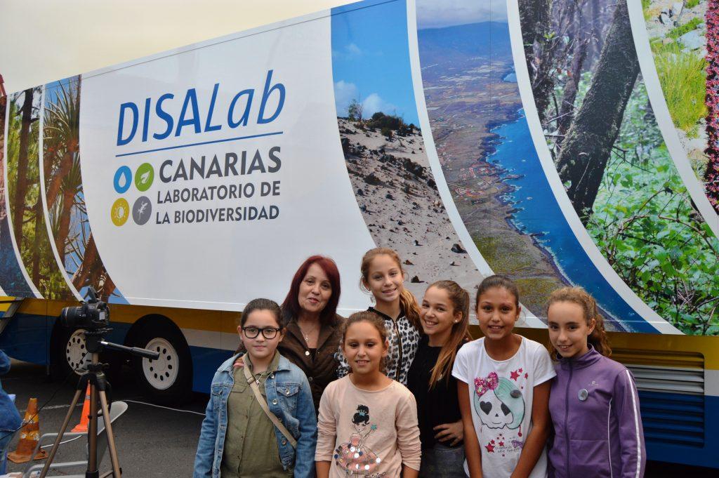 El laboratorio DISALab llega a Tías para enseñar la biodiversidad a los escolares y vecinos