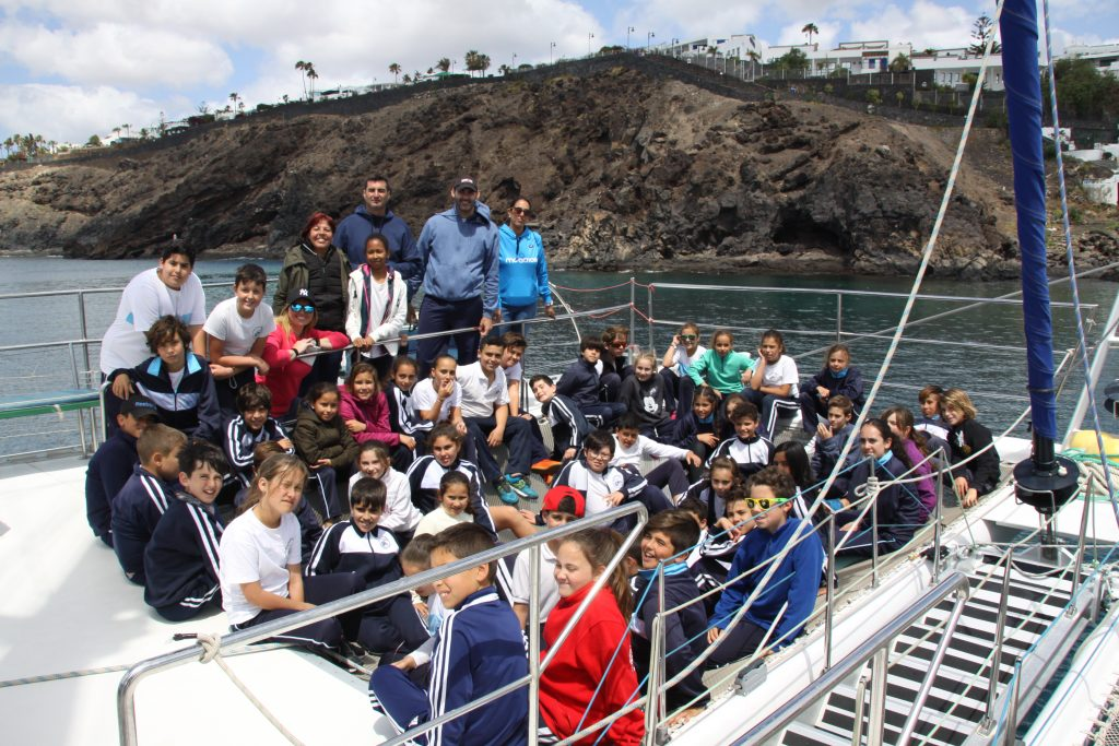 """Comenzaron las salidas a mar abierto para avistamiento de aves, fauna marina y cetáceos dentro del proyecto """"Playa Honda, La Mar de Vida"""""""
