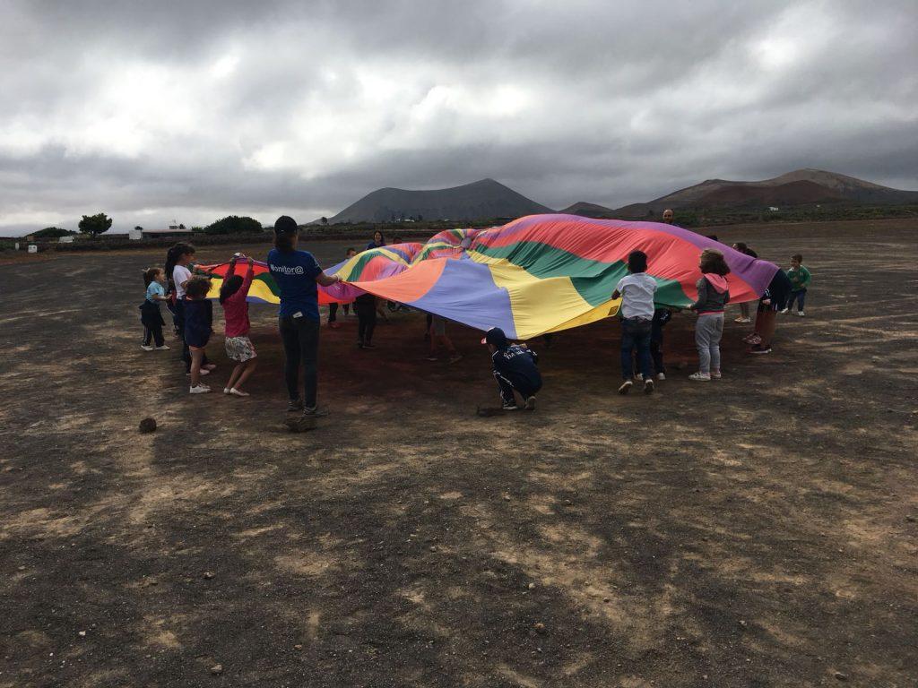 Los niños y niñas, familiares y comunidad educativa de doce escuelas unitarias participaron de una divertida jornada de dinámicas grupales, talleres y desayuno saludable en el 'II Encuentro de Colegios de la Biosfera'