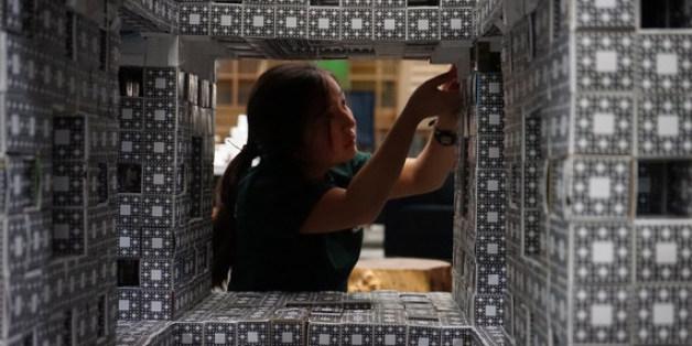 El Departamento de Matemáticas del  IES Las Maretas   se une al desafío internacional MEGAMENGER, promovido por la Queen Mary University of London