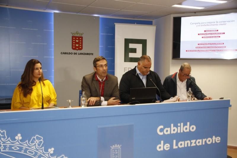 El Cabildo de Lanzarote adjudica los servicios y trabajos de conservación y mantenimiento de los márgenes y zonas ajardinadas de las carreteras insulares para los próximos dos años