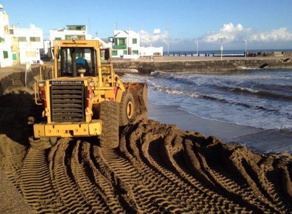 Teguise trabaja en la mejora de sus zonas costeras