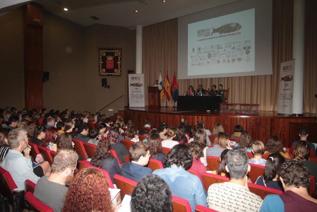 La comunidad científica internacional analiza en Lanzarote la problemática global de los microplásticos