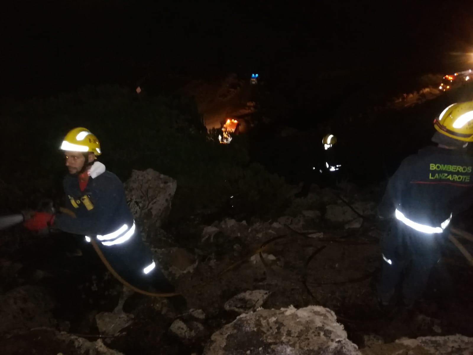 Extinguido el fuego declarado en la zona del Bosquecillo en Haría