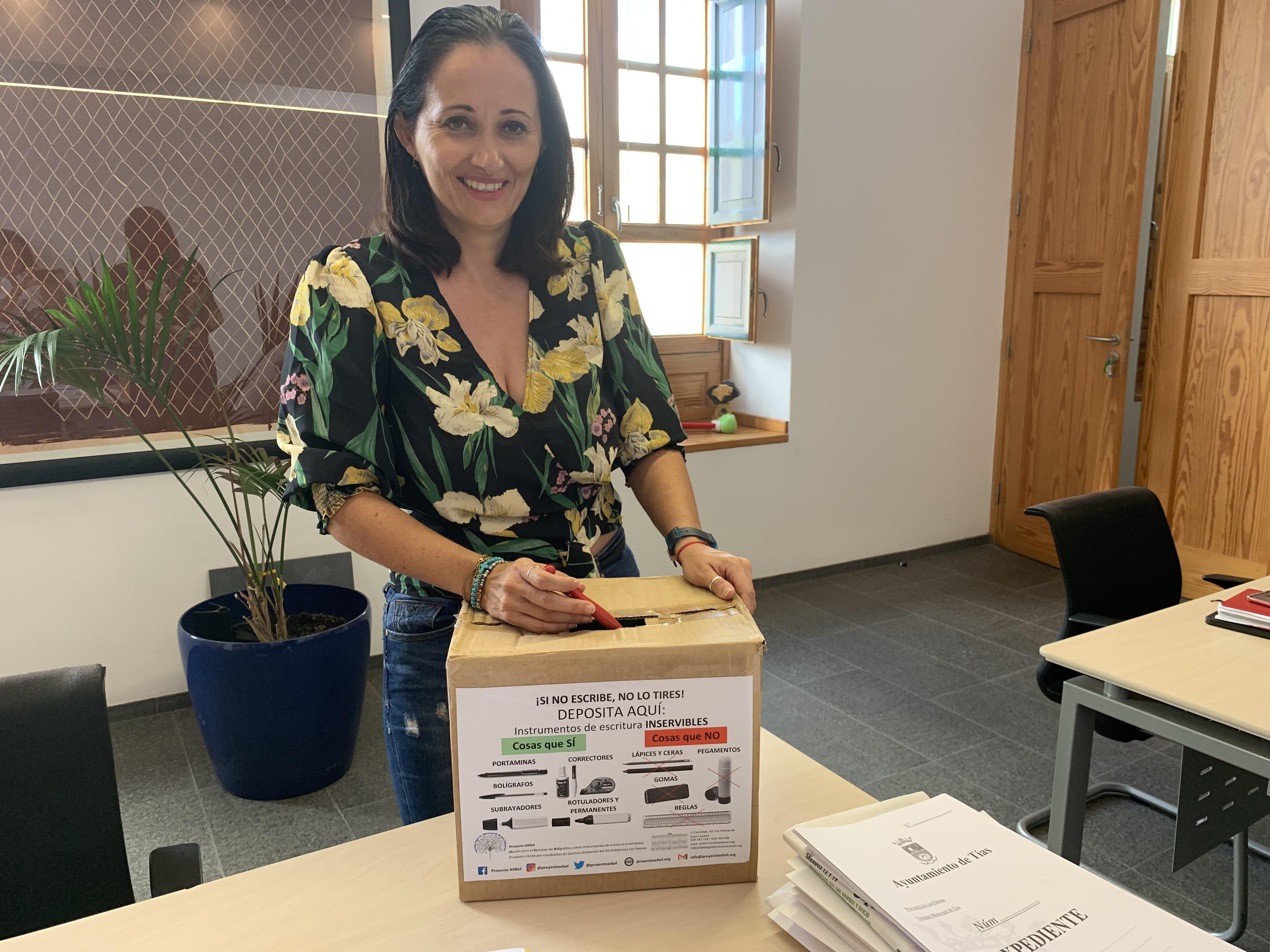 El Ayuntamiento de Tías participa en el Proyecto ARBol y coloca cajas para reciclar bolígrafos