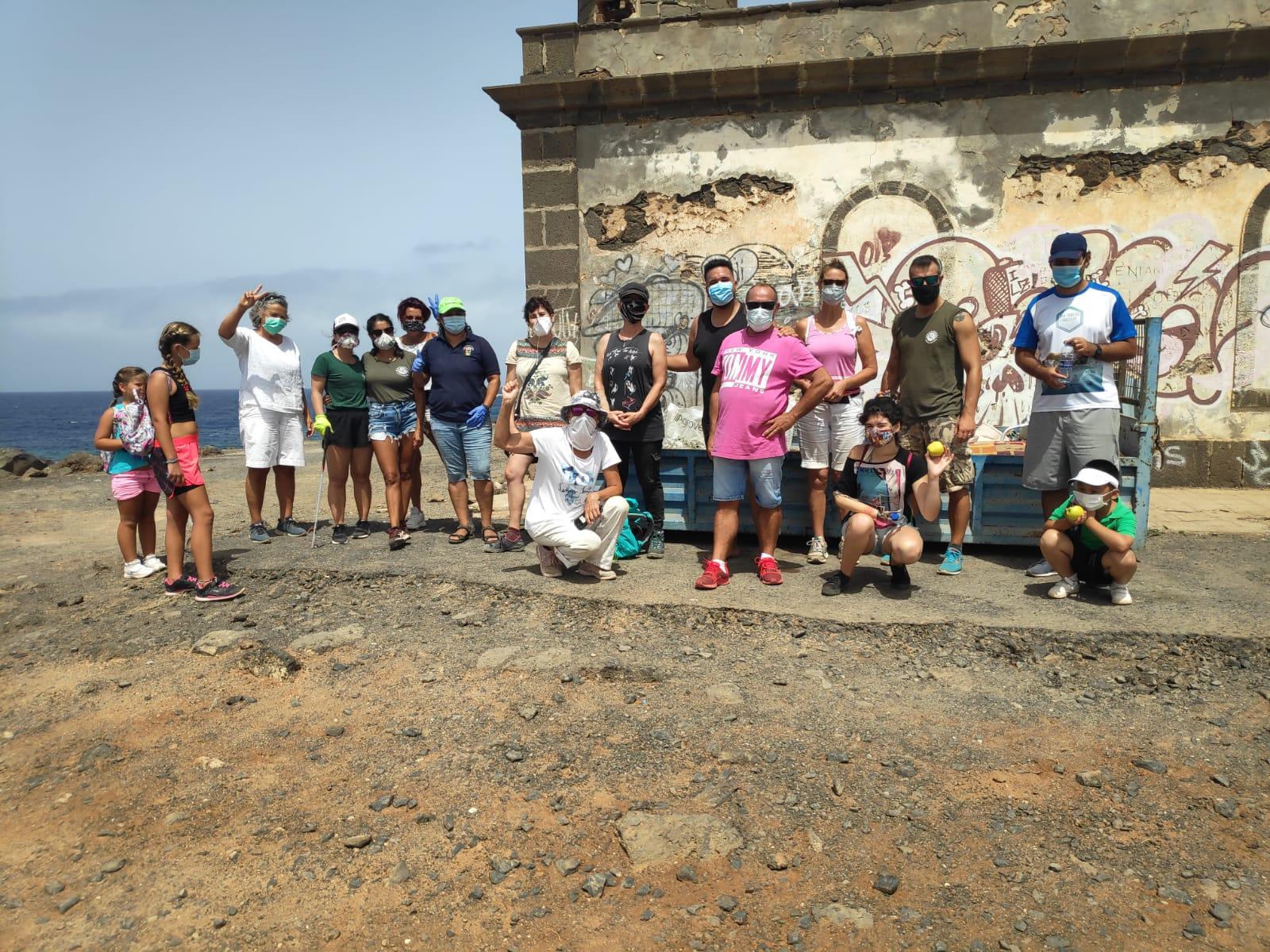 Yaiza exalta el trabajo del colectivo Lanzarote Limpia Limpia Lanzarote