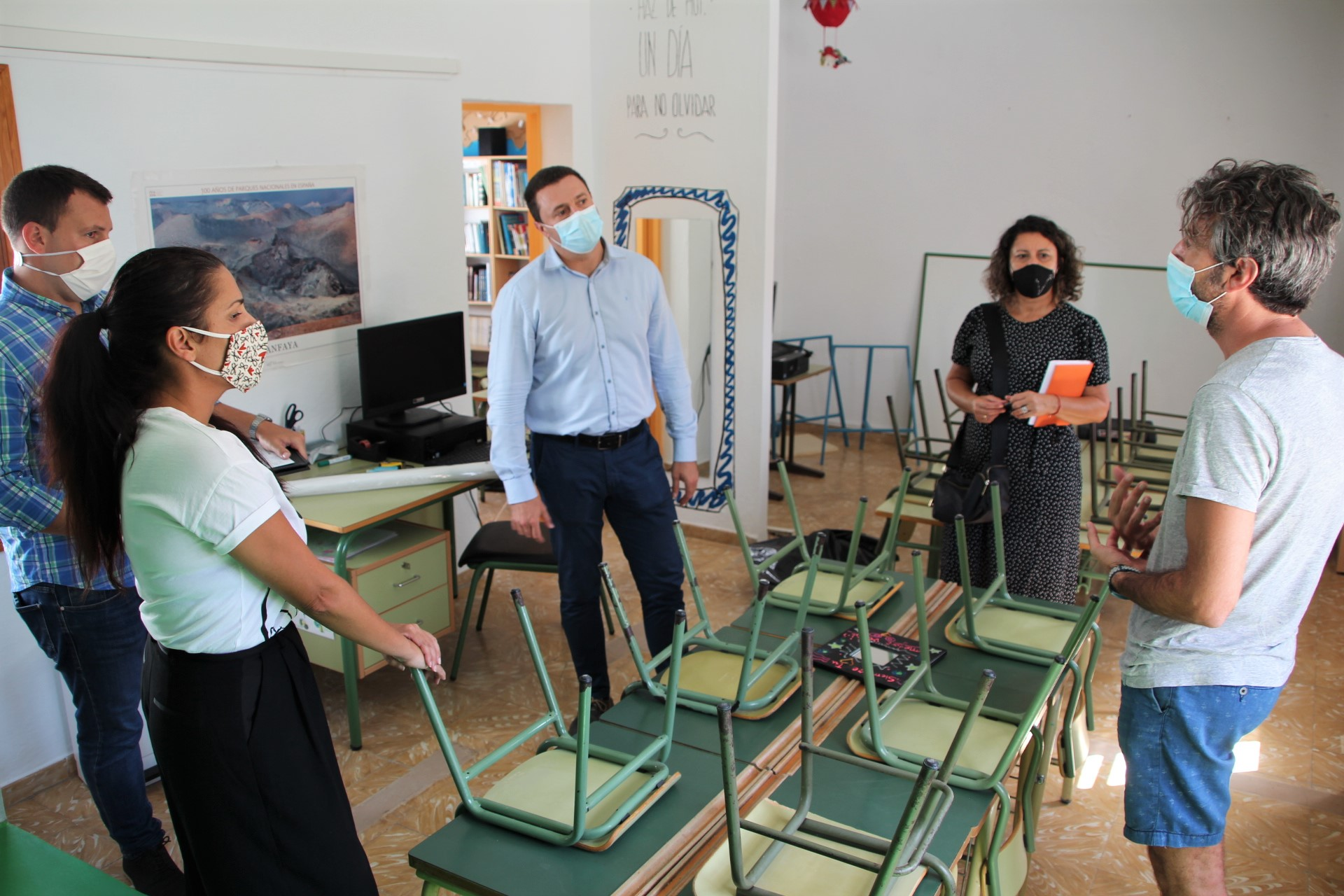 Yaiza y los colegios revisan la puesta a punto de los centros para un regreso a clases marcado por la pandemia