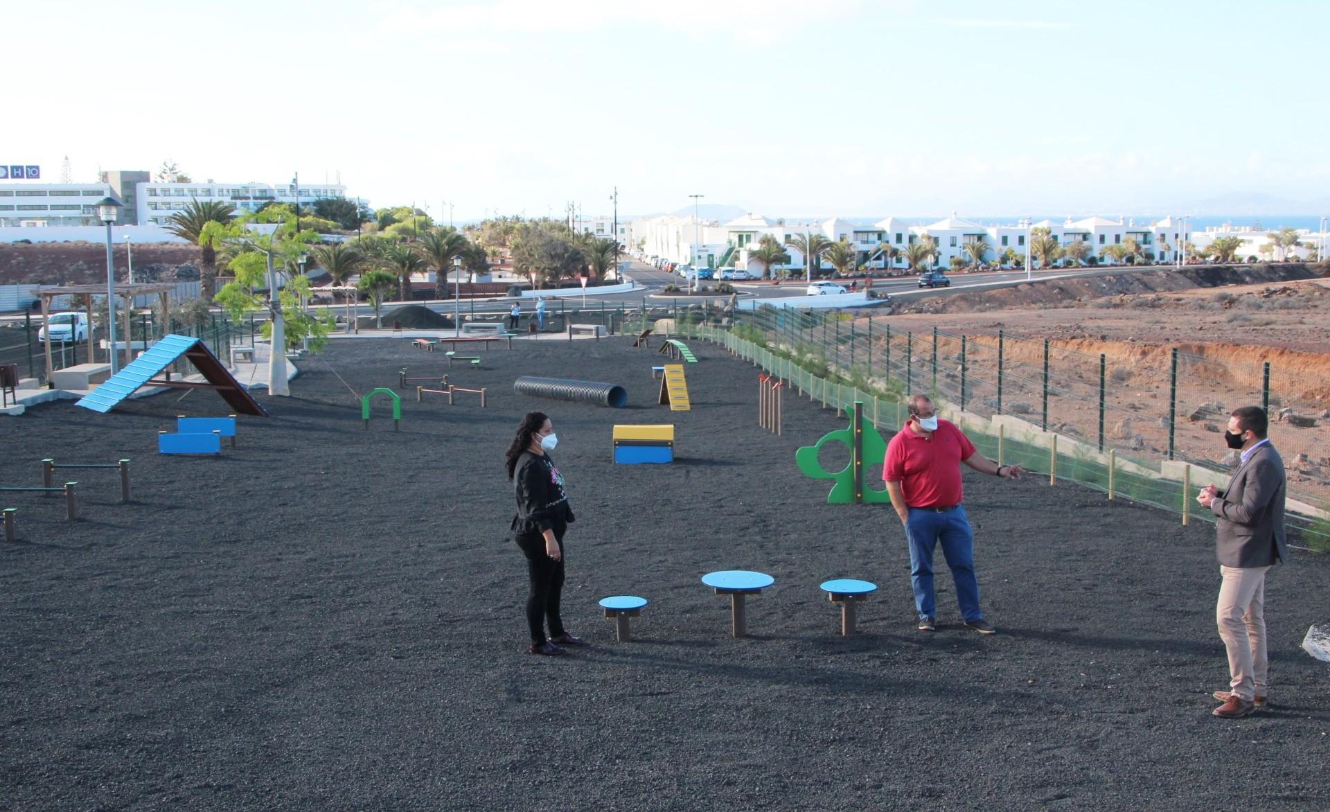 Yaiza reabre el parque canino con más juegos