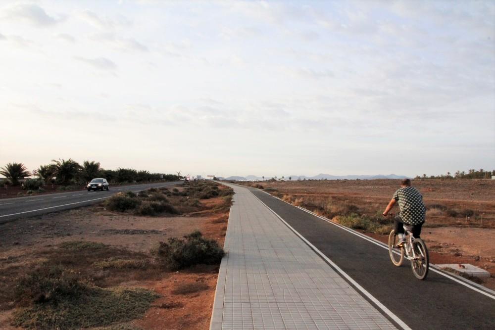 Playa Blanca disfruta ya de 2 km más de carril bici