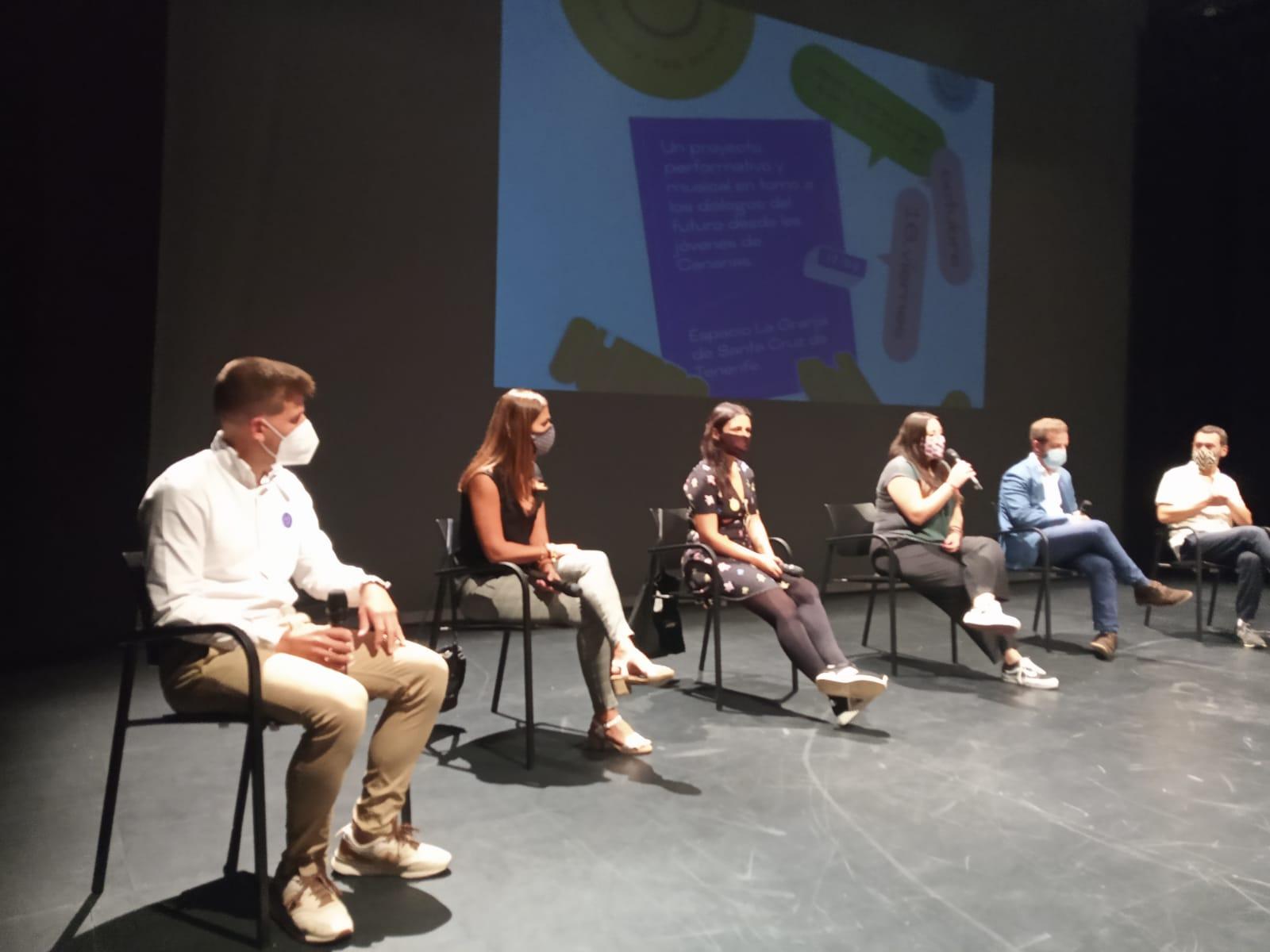 La juventud que formará el 'Parlamento del futuro' reflexiona a través de las artes escénicas, la música y la danza