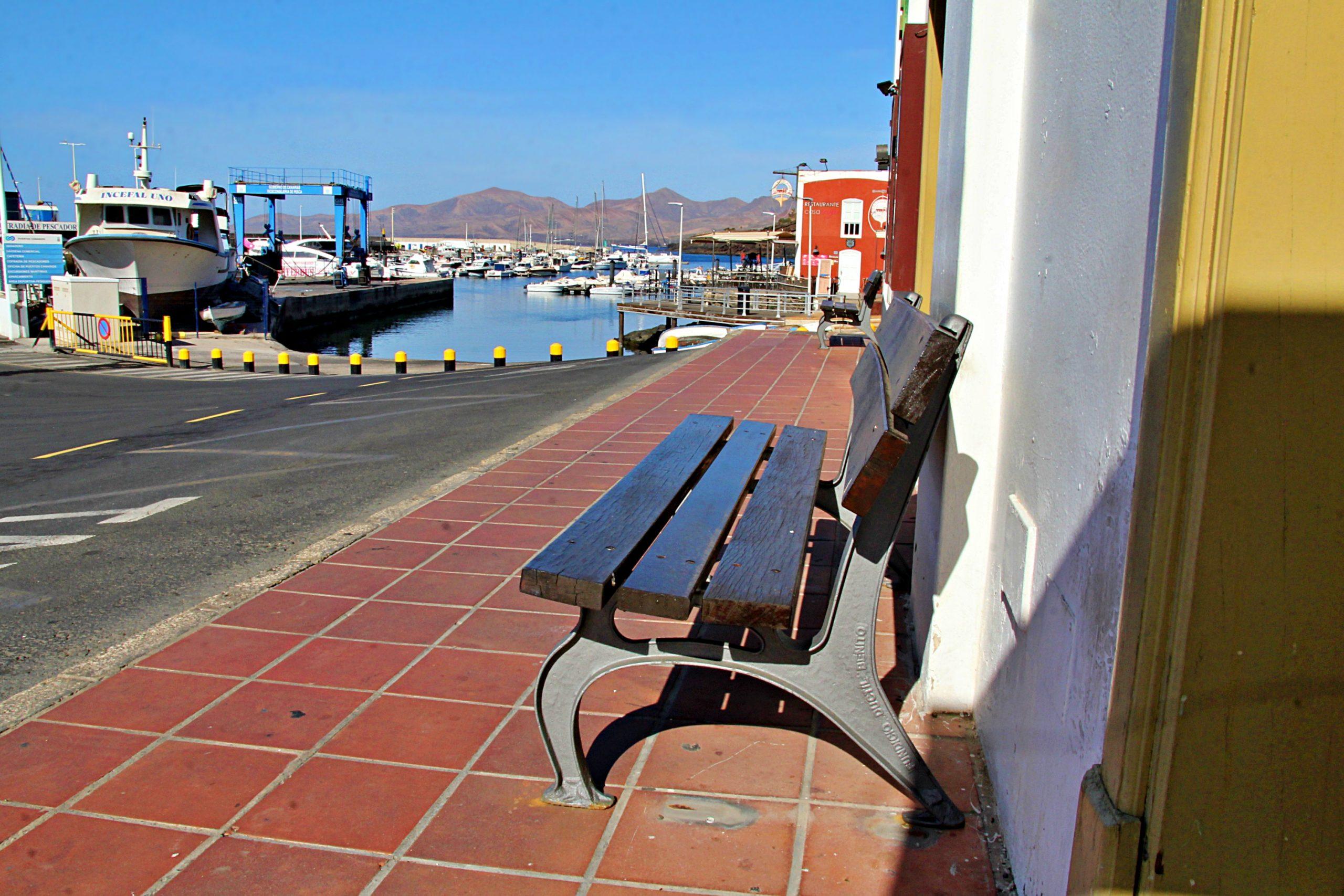 El mercadillo de Puerto del Carmen se cancela temporalmente por falta de pago