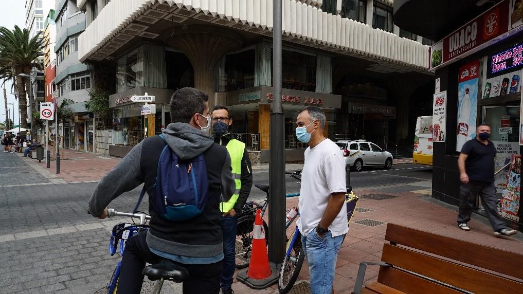 Los Bicipaseos acercan las obras de Salvador Fábregas a los ciclistas en Gran Canaria