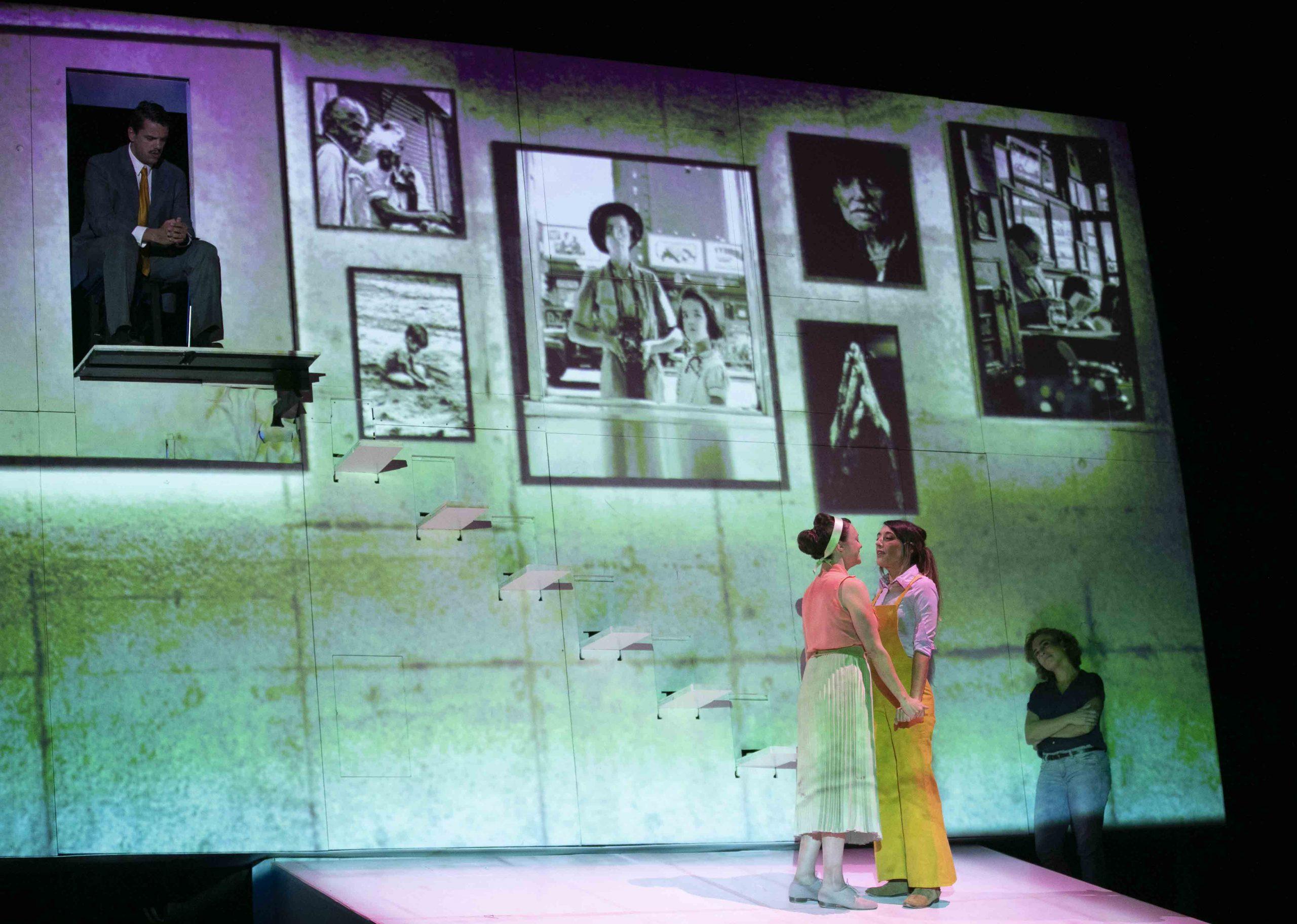 El montaje teatral 'Ana (también a nosotros nos llevará el olvido)' regresa a Galicia