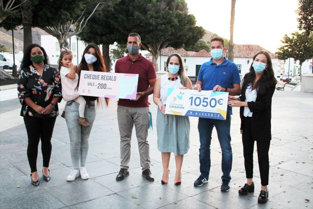 La campaña Consume Lanzarote sigue dejando regalos entre sus participantes