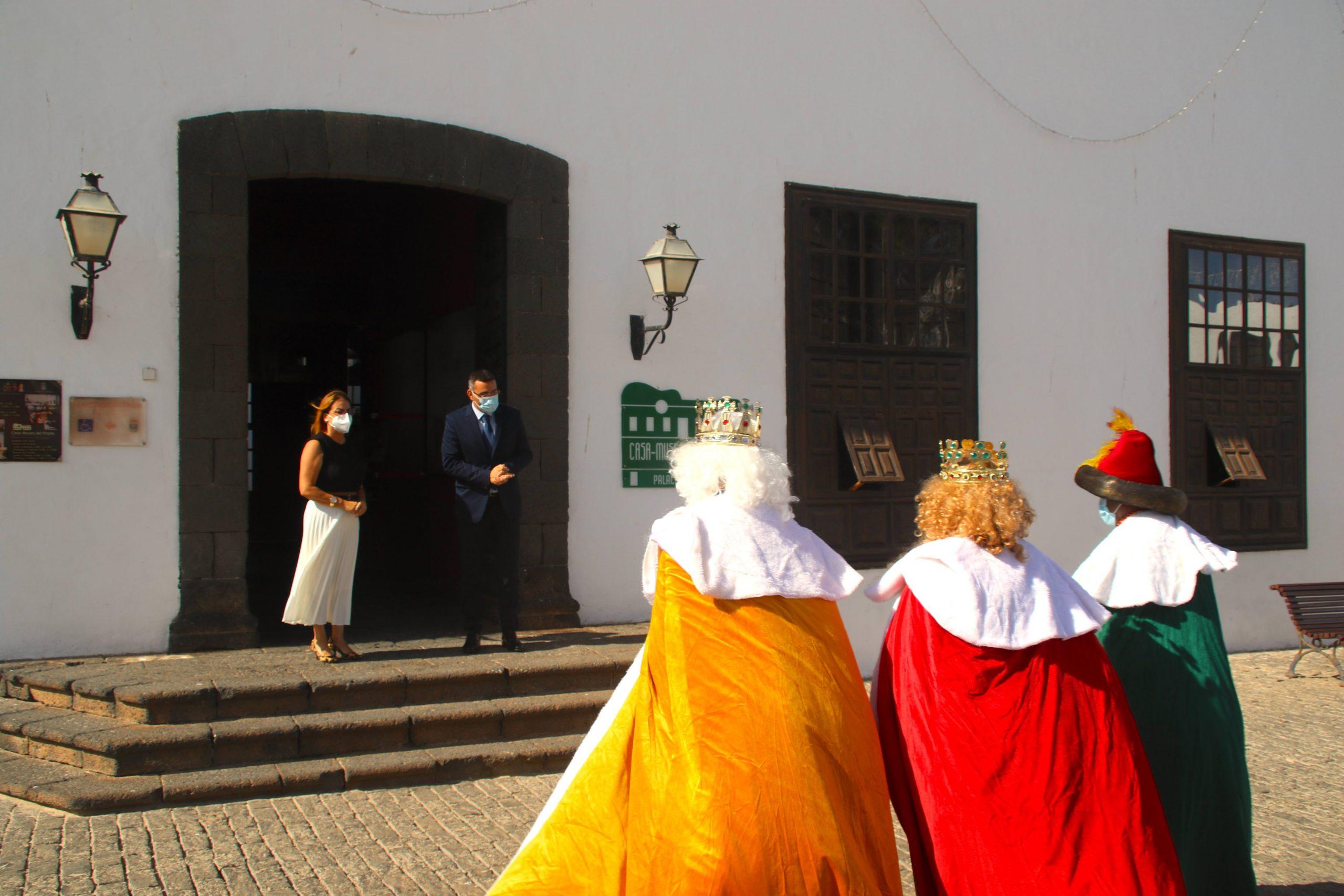 Teguise celebra el Día de la Infancia entregando las llaves del municipio a los Reyes Magos