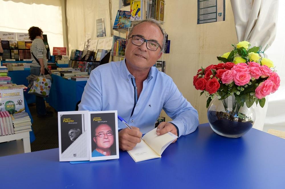 El escritor y sociólogo Antonio Puente ofrece la ponencia '¿Qué fue de la literatura?'