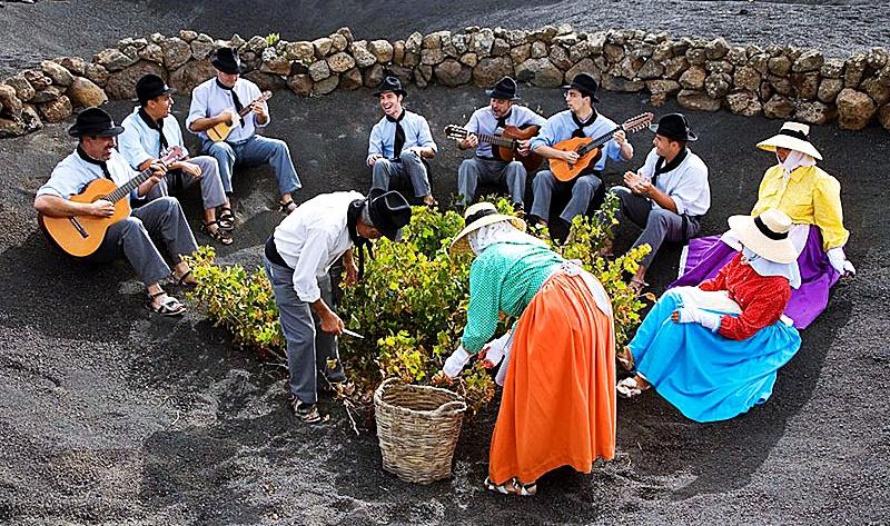 Los Campesinos cantan a Lanzarote desde la Villa Teguise