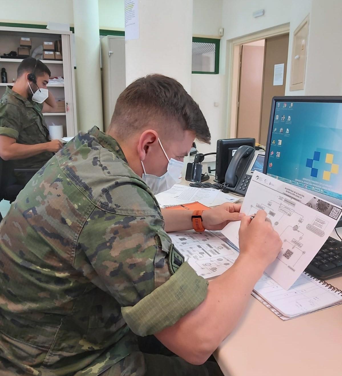 Los rastreadores militares de Canarias alcanzan el cuarto mes apoyando a combatir la pandemia en las islas