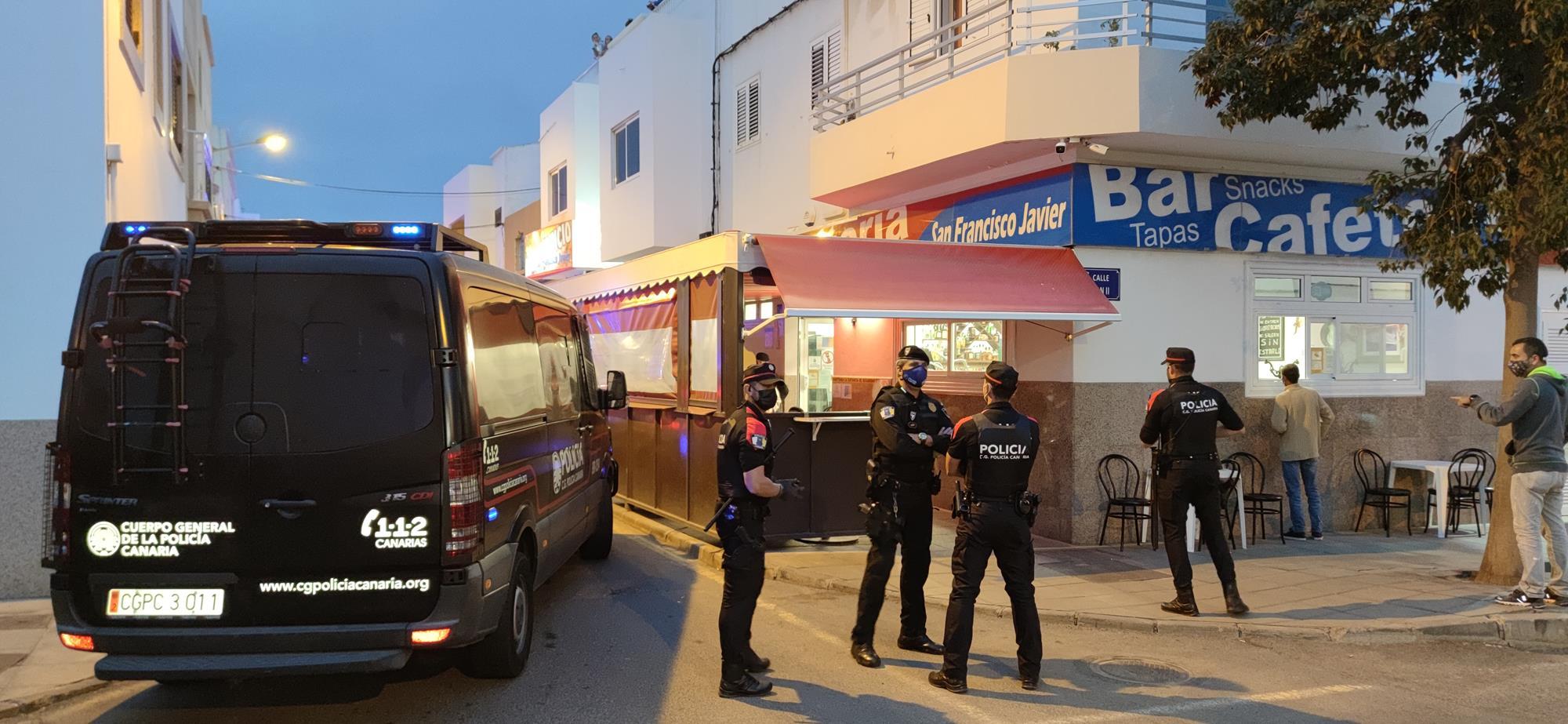 Cerca de cuarenta efectivos de la UME, militares del Ejército de Tierra y Policía Autonómica refuerzan el dispositivo de seguridad en Lanzarote