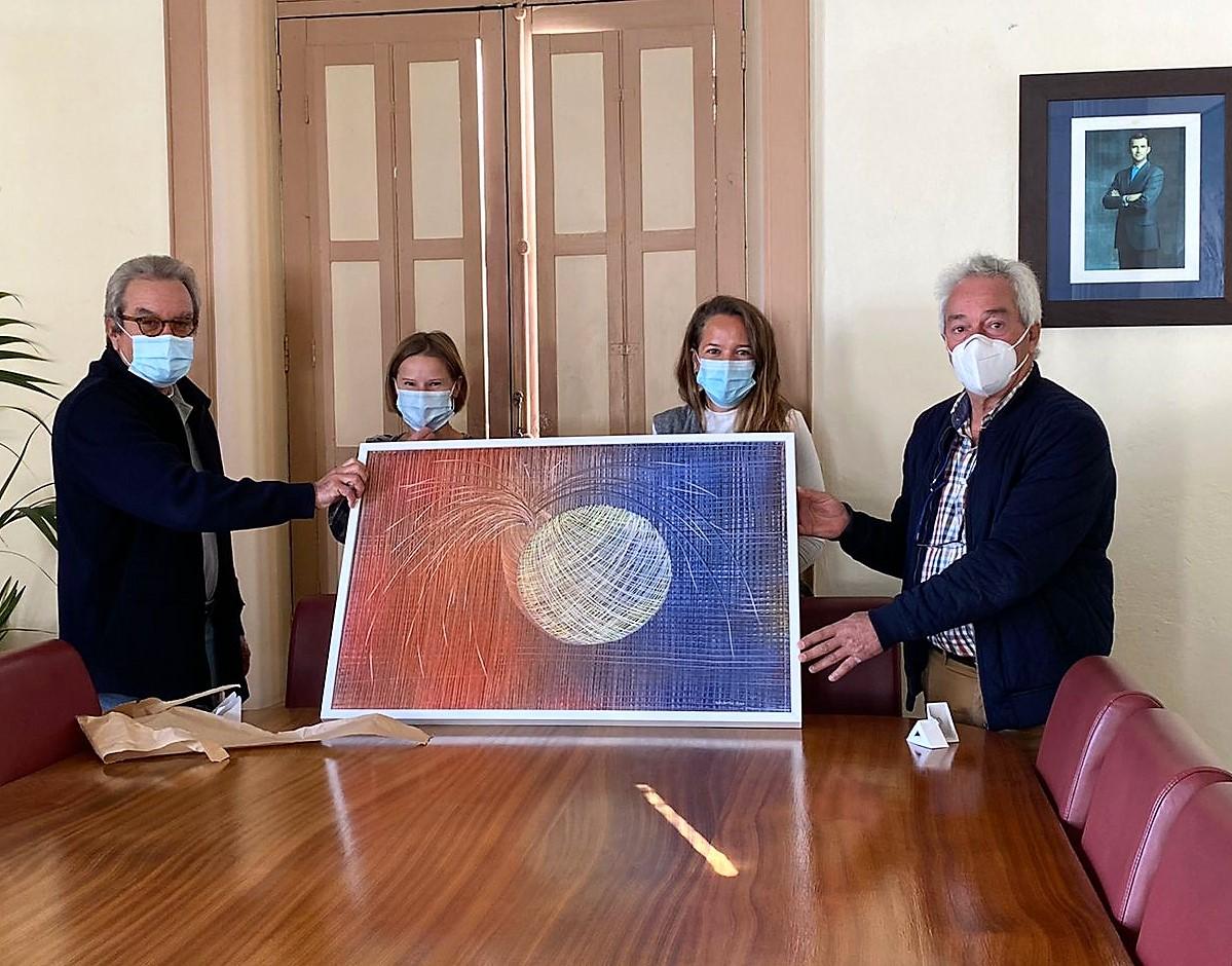 El Ayuntamiento de Haría recibe la donación de un cuadro por parte de Zuzanna Wiśniewska