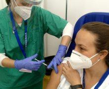 Sanidad está en disposición de iniciar la vacunación del grupo III si se garantiza el suministro de nuevas dosis