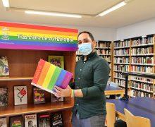Las bibliotecas de Tías y Puerto del Carmen presentan una treintena de títulos sobre la temática LGTBI