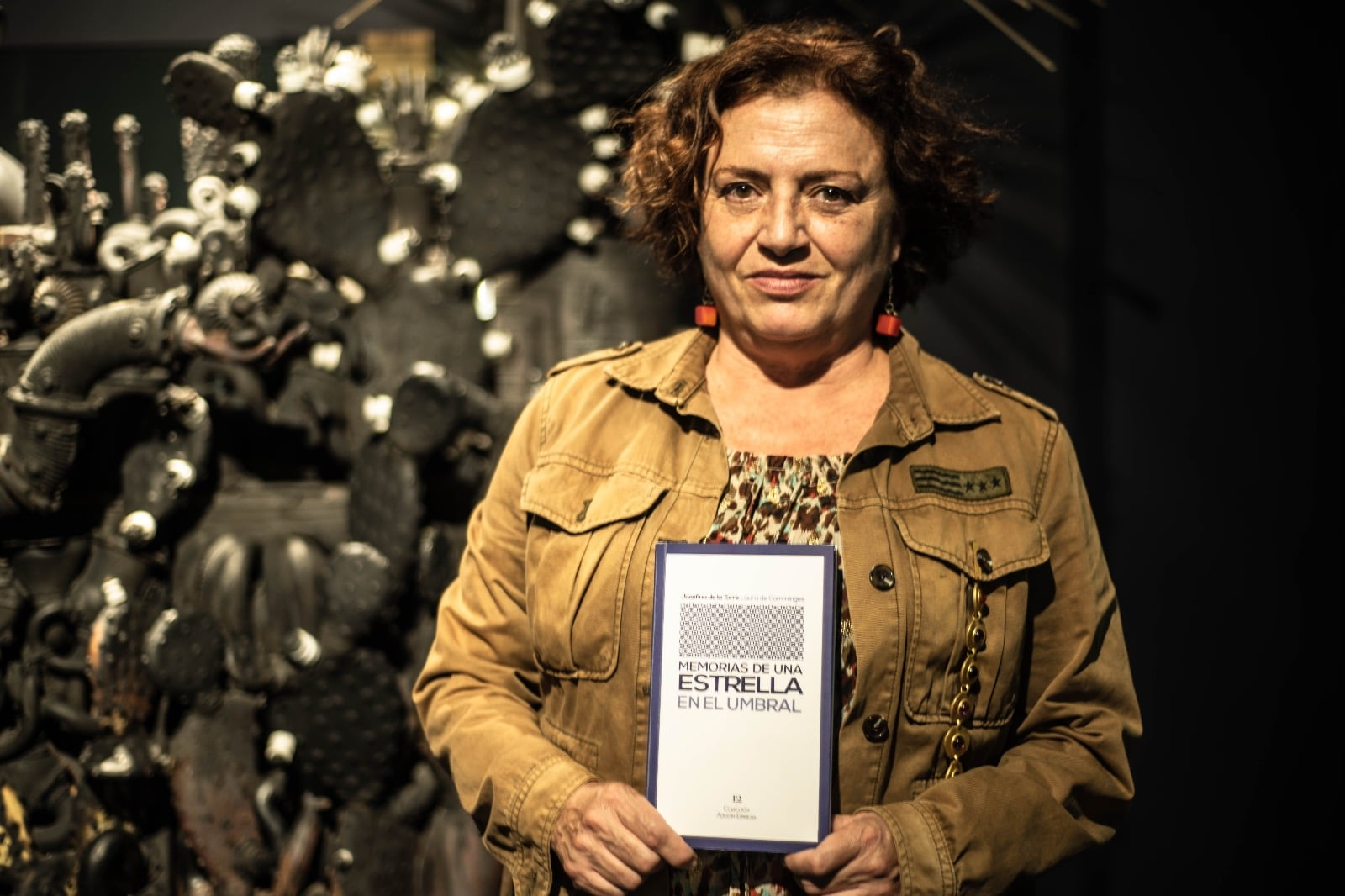 """""""La novela 'Memorias de una estrella', permite descubrir entre líneas el contexto político, social y cultural de los años 40"""""""