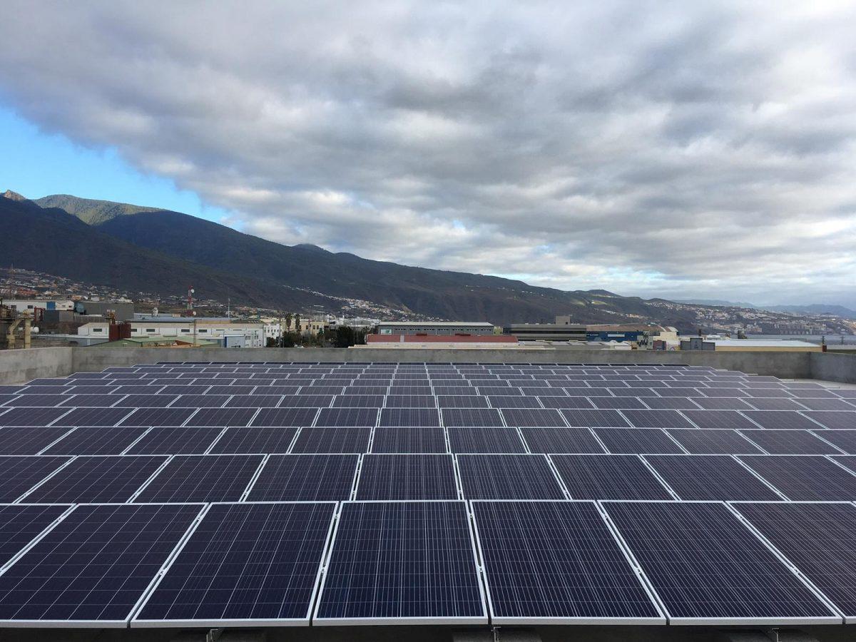 Transición Ecológica actualiza el mapa de parques fotovoltaicos y eólicos en IDECanarias