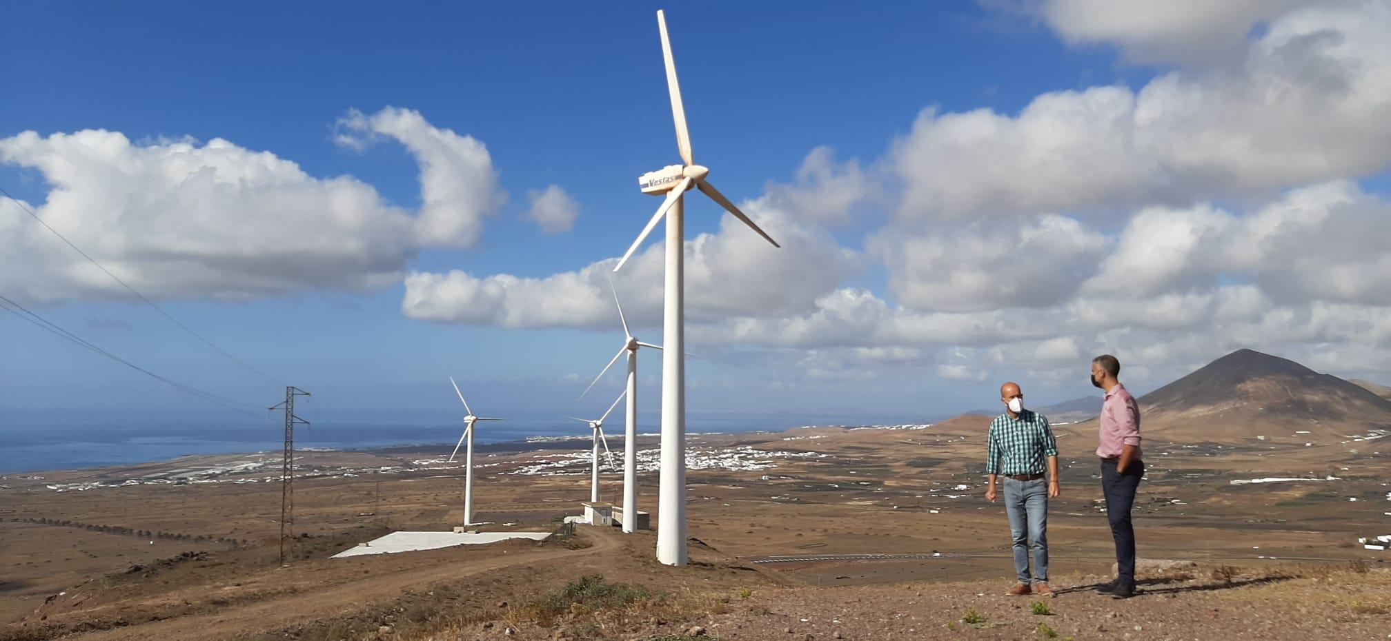 San Bartolomé inicia los trámites para el desmantelamiento del viejo parque eólico de Montaña Mina