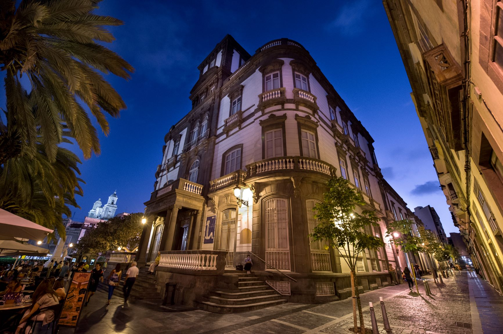 """La revista digital 'Magisterio' destaca a la Biblioteca Insular de Gran Canaria como una de las seis """"más impresionantes de Europa"""""""