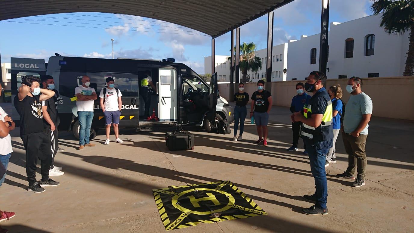La Unidad de Drones y Robótica Operativa en Navegación de la Policía Local de Arrecife impartió un taller en el CEIP Zonzamas
