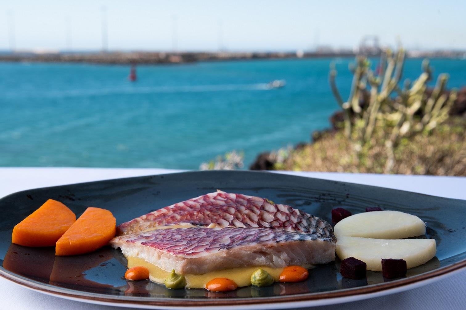 El restaurante del Castillo de San José, incluido por primera vez entre las recomendaciones de la Guía Repsol
