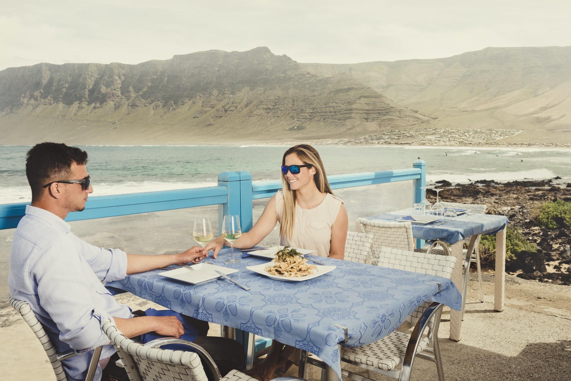 Teguise felicita al restaurante El Risco tras conseguir uno de los Soles Repsol