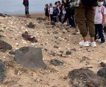 Alumnado del colegio de Tao visitan el yacimiento arqueológico de Fiquinineo