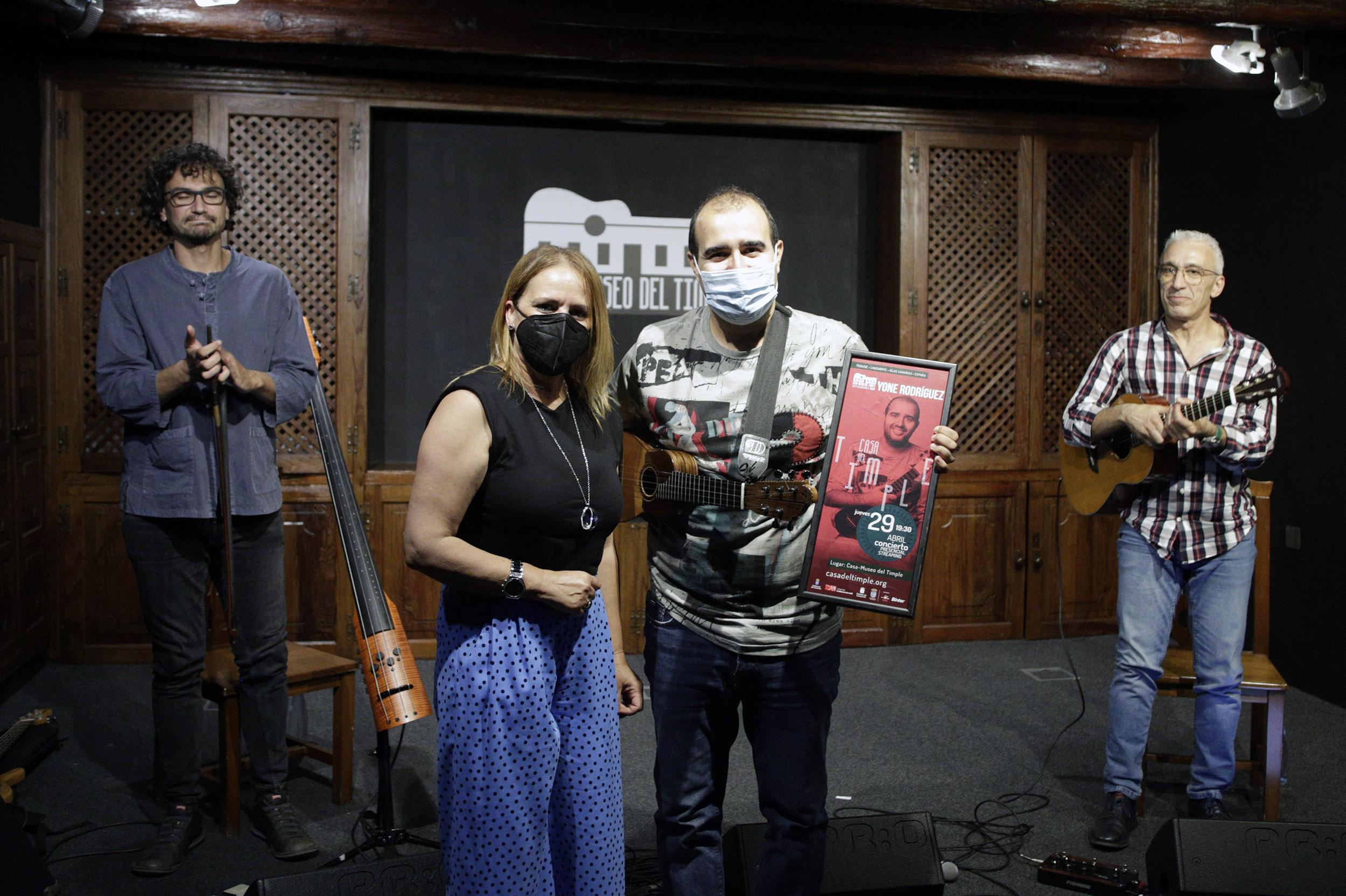 La Sala de Conciertos de la Casa-Museo del Timple acogió el concierto de Yone Rodríguez