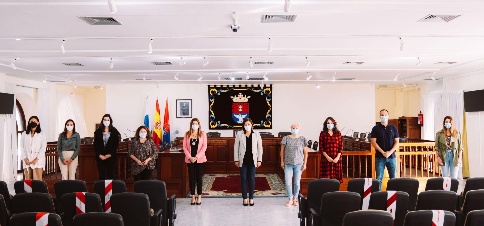 Arrecife contrata 6 trabajadores sociales,  4 educadores sociales, 1 psicóloga, 1 jurista  y 2 auxiliares para reforzar el Área de Servicios Sociales