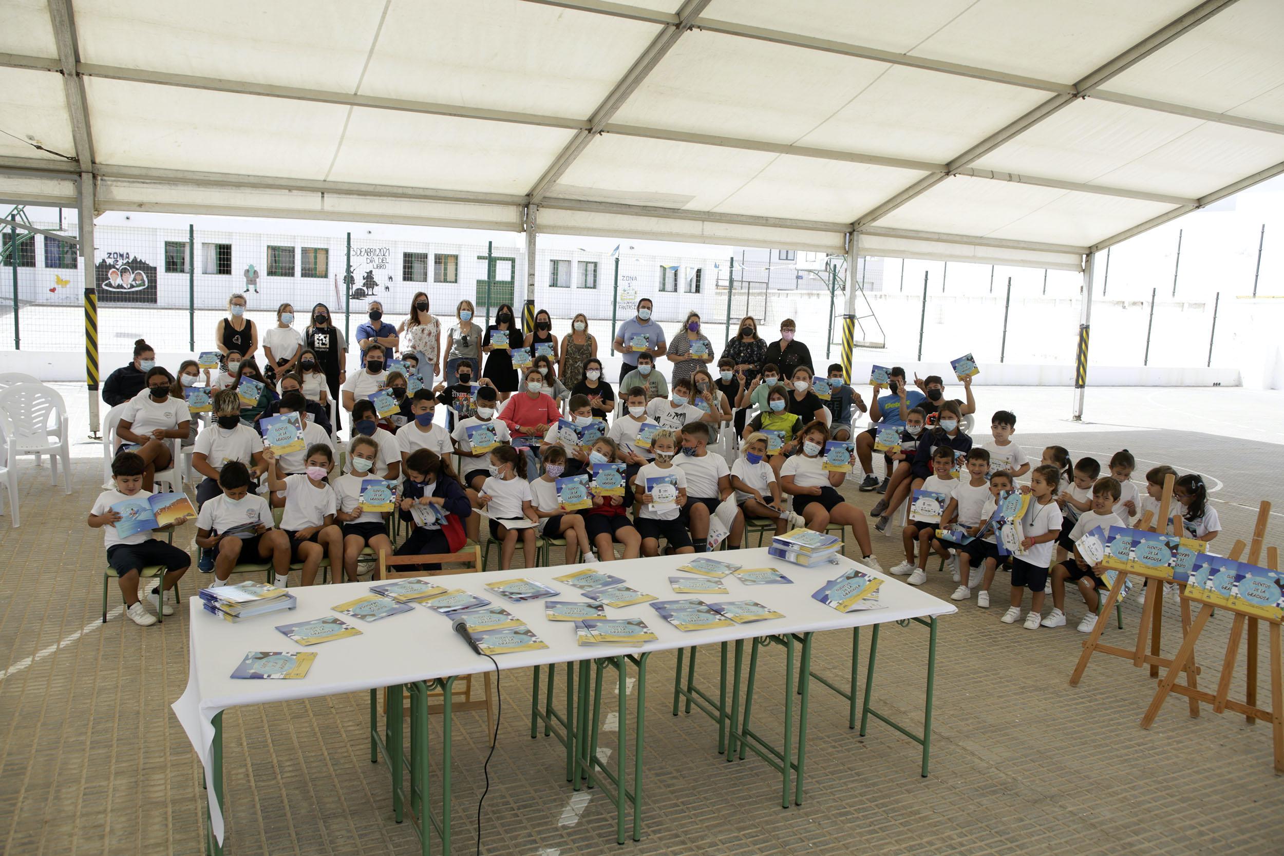 Los alumnos y alumnas de la Octava Isla se convierten en escritores