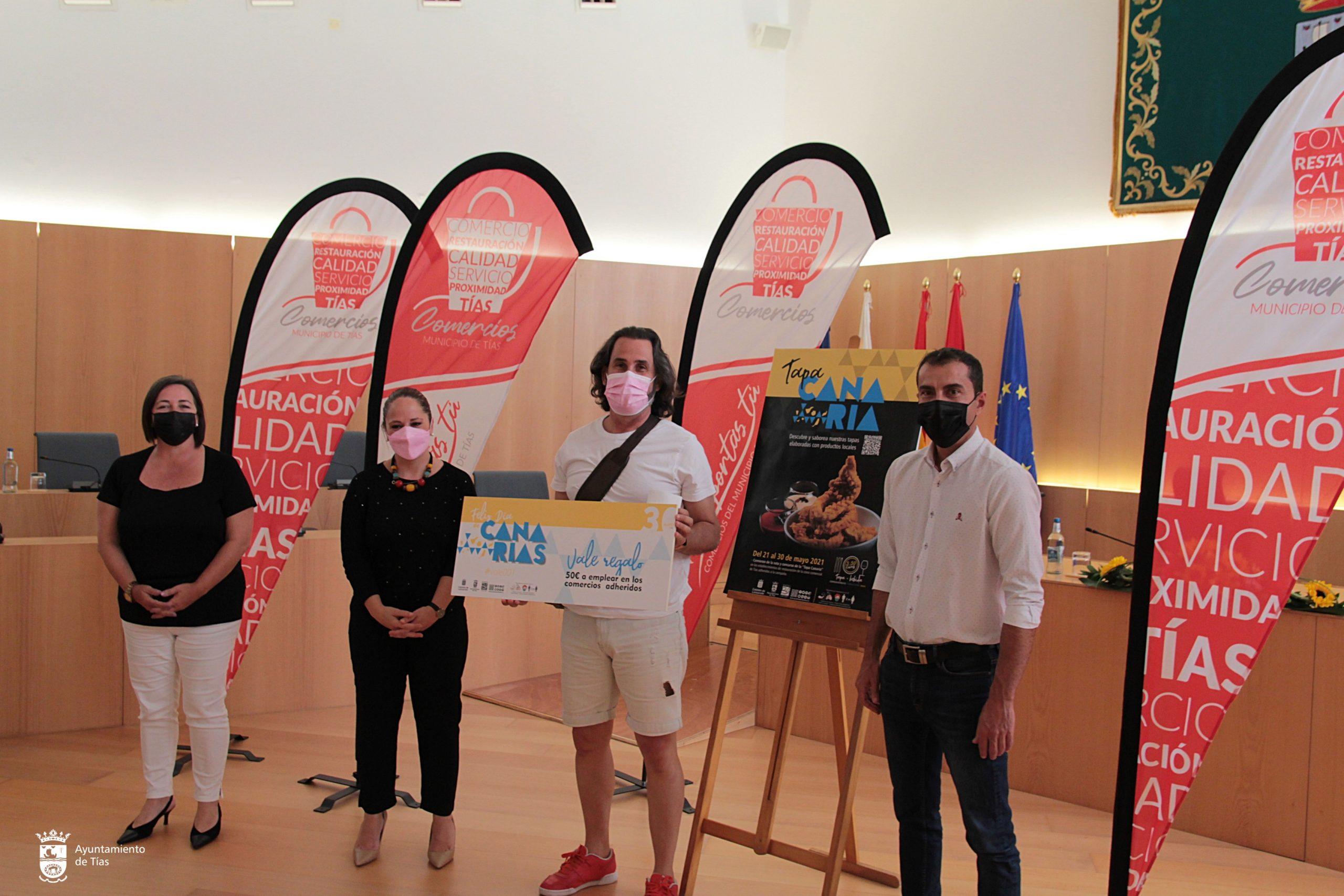 Entrega de premios a los comercios y participantes en la ruta de la tapa canaria de Tías