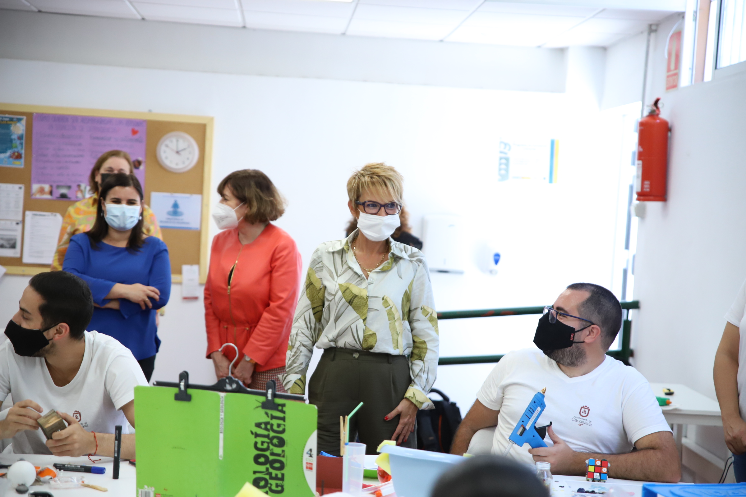 Máñez visita los programas de empleo del SCE en Candelaria, dotados con 1,6 millones y 1.287 personas beneficiarias