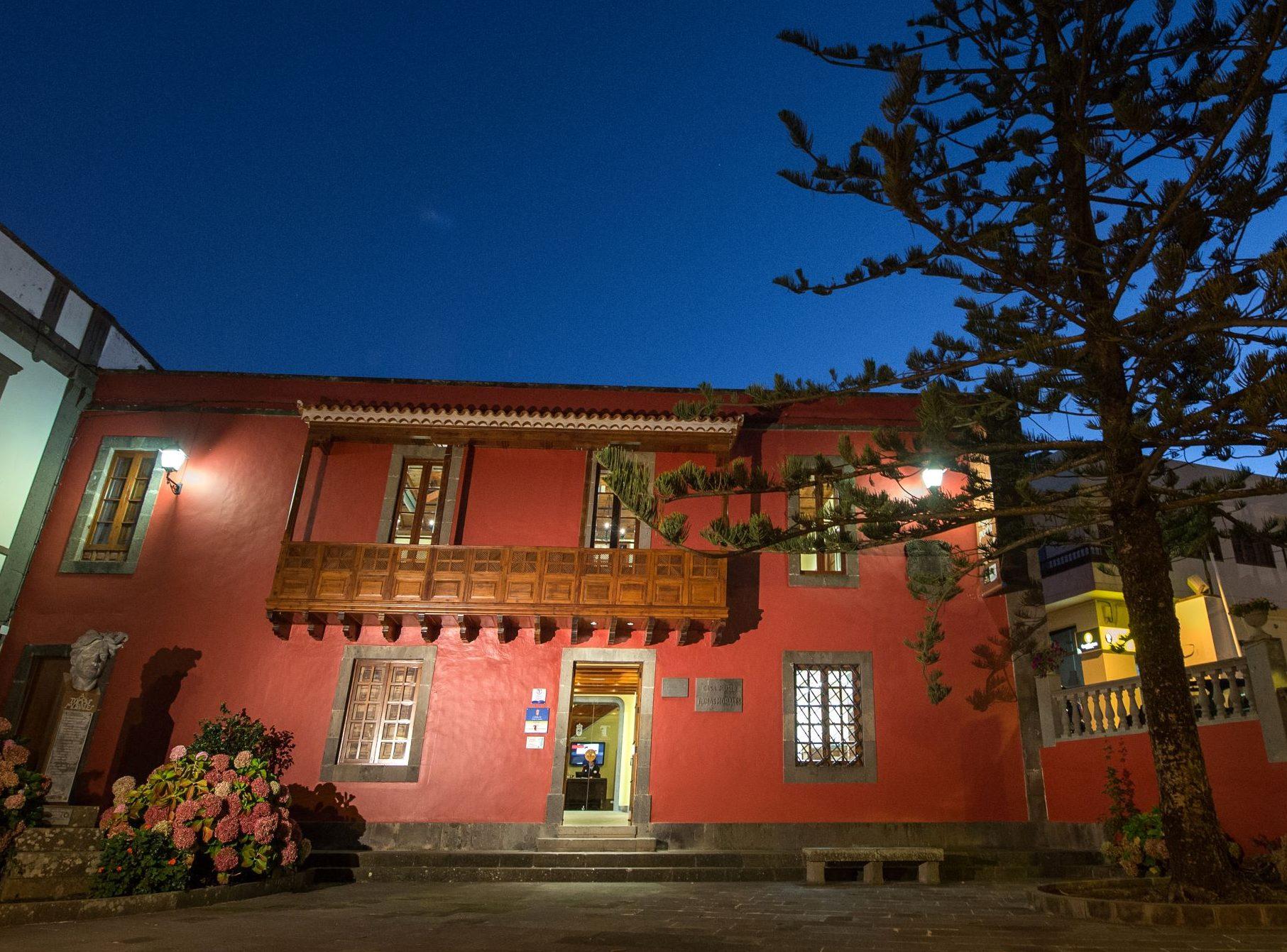 El Cabildo convoca la XXVI edición del Premio Internacional de Poesía Tomás Morales 2021