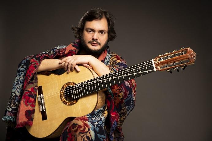 El Teatro Guiniguada acoge a Yamandu Costa, prodigio musical brasileño del siglo XXI