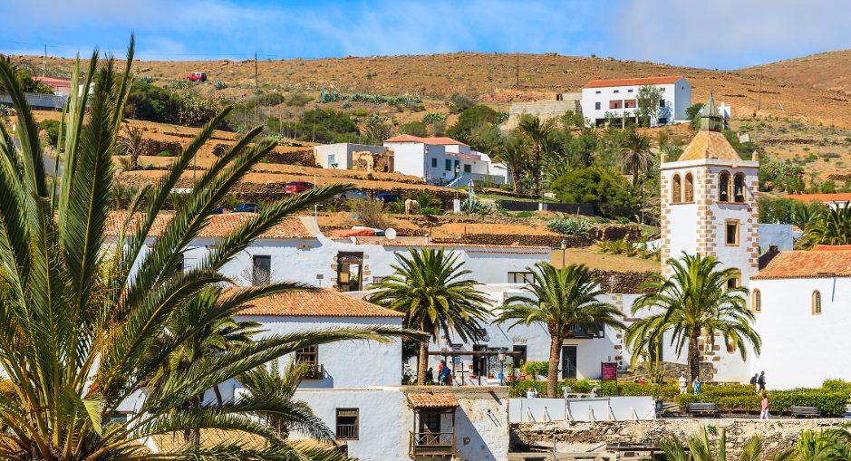 Turismo de Canarias  destina 245.519 euros a embellecer el paisaje y entorno urbano de Betancuria