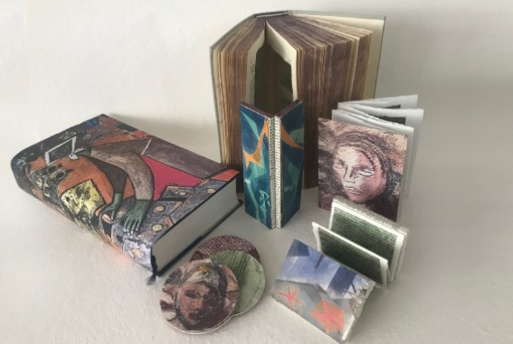 "Exposición ""Libros objetos"", de Paqui Martín"