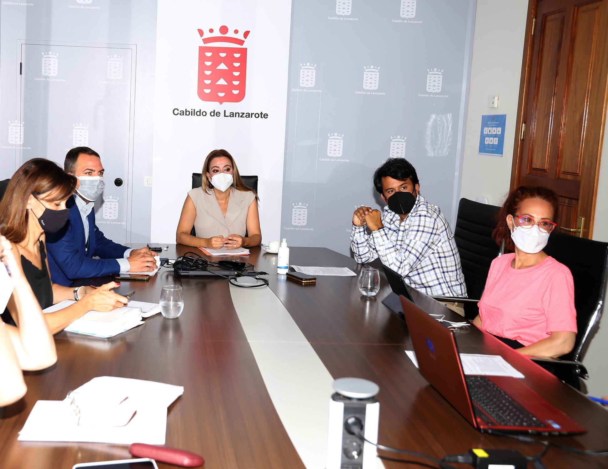 El Cabildo resuelve la adjudicación del servicio de conservación de la red viaria insular por 3 millones de euros