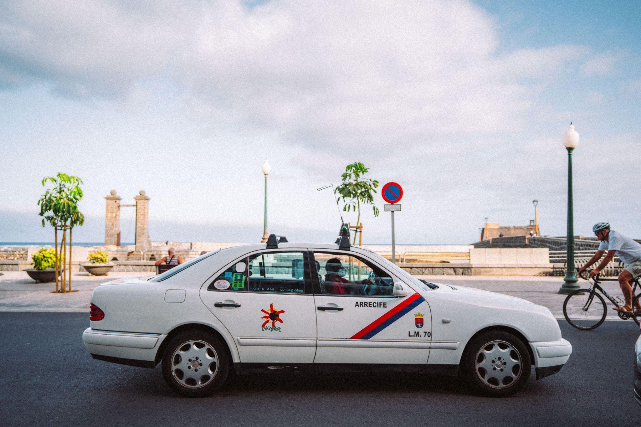 Aprobadas las bases para obtener el permiso de conducción de taxis en Arrecife